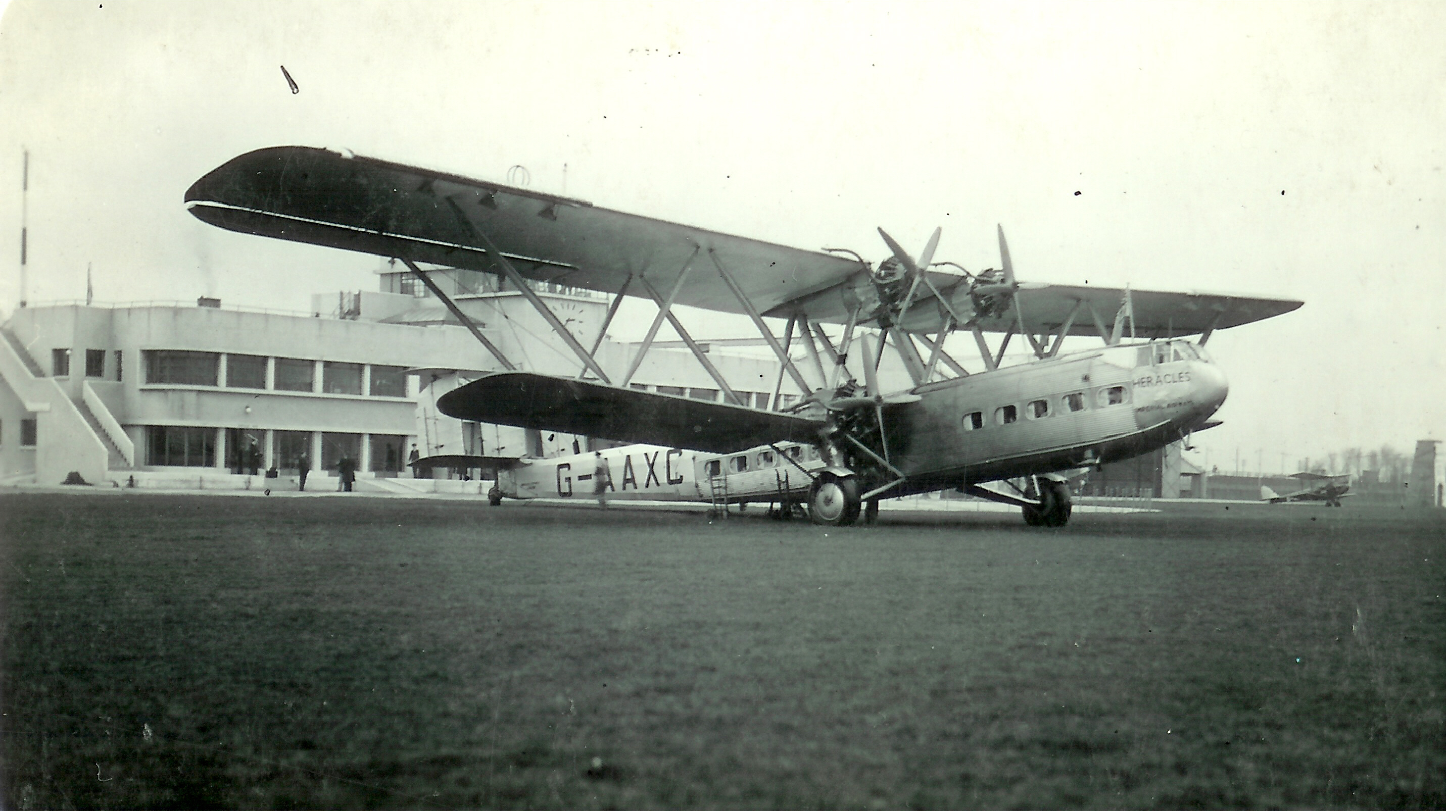 the flying machine airport